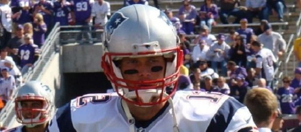 Tom Brady must overcome dismal 44.44% completion rate against Drew Brees and the Saints Photo Credit: Merson/Wikimedia Commons