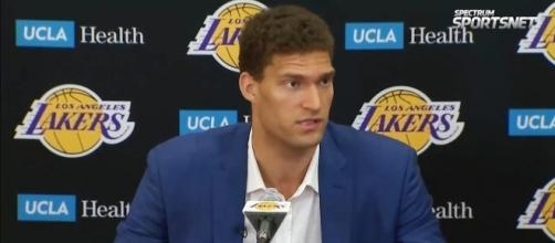 Brook Lopez joins the Los Angeles Lakers (via YouTube - ohyea2421)