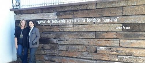Frase de Anne Frank no Museu do Holocausto de Curitiba