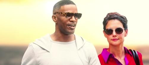 Jamie Foxx and Katie Holmes putting their love on display at NYC fashion week. YouTube/Enews
