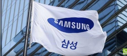 Samsung Electronics is investing $300 million to create driverless cars - YouTube/Wochit Tech