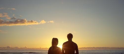 secrets to a lasting relationship| Free for commercial use | Photo via Foundry, pixabay.com