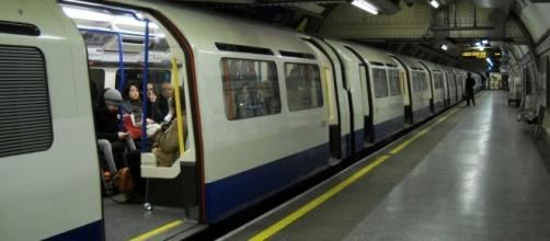 The Tube in London https://commons.wikimedia.org/wiki/File:London_Tube_-_panoramio.jpg