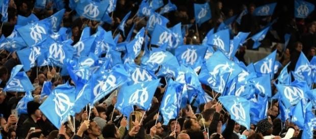 Les supporters de l'OM attendent une réaction de l'équipe ce soir en Europa Ligue - bfmtv.com