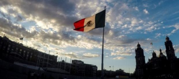 Salinas niega haber abierto cuenta a nombre de Arroyo