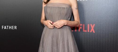Angelina Jolie sul red carpet della première del suo ultimo film: 'First, they killed my father'