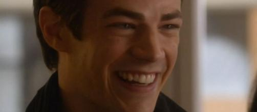 Barry Allen is happy to see Iris West. Flickr|CC BY 2.0 - https://www.flickr.com/photos/fanabouttown/16235707349