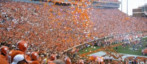 Clemson and Louisville face-off Saturday night. [Image via Wiki Commons]
