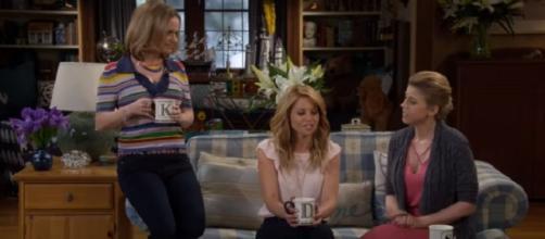 Fuller House Season 3. (Image via YouTube screengrab/Netflix)
