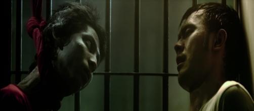"""""""Imprison"""" relata la angustia que padece un prisionero después que su compañero de celda se suicida."""