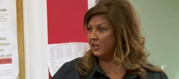 """Abby Lee Miller confronted by moms in new """"Dance Moms"""" episode. (YouTube/Lifetime)"""