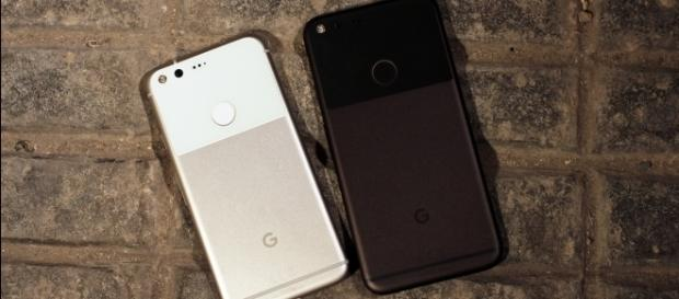 Billboard reveals Pixel 2 and Pixel XL 2 launch date? / Photo via Maurizio Pesce, Flickr