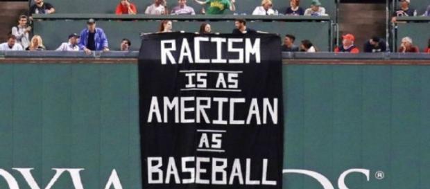 La organización de Boston de nuevo es ligada con el racismo en Grandes Ligas.