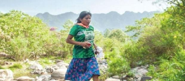 Lorena Ramirez, la maratoneta che vince in gonna e sandali