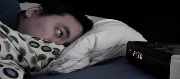 O sono não vem e as horas se arrastam