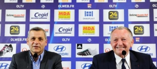 Pas sûr qu'Aulas et Genesio gardent le sourire très longtemps... - foot01.com