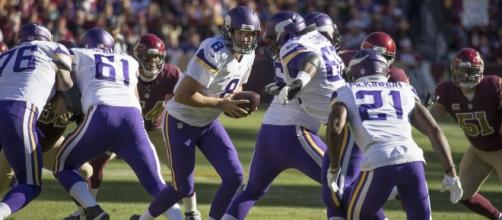 The Vikings should be worried about Sam Bradford's knee - [Feature Image by Keith Allison/Flickr Images]