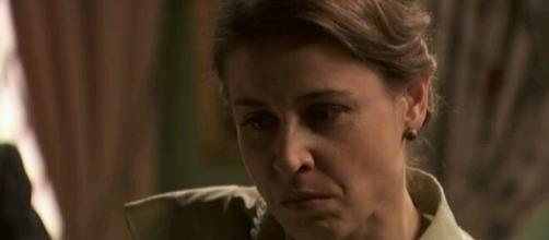 Il Segreto Carmelo viene scoperto: Adela si vendica?
