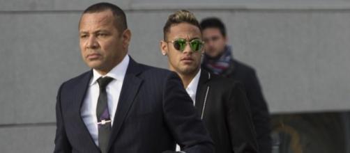 Neymar Junior a frôlé la mort à l'âge de quatre mois lors d'un accident de voiture avec son père, Neymar Senior.