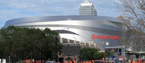 Rogers Place in Edmonton, Alberta (Wikipedia/ViperSnake151)