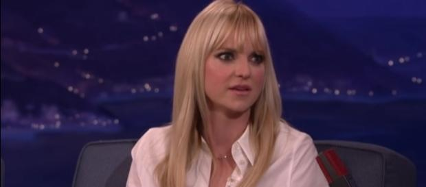 Anna Faris attends first red carpet appearance following split from Chris Pratt. YouTube/TeamCoco