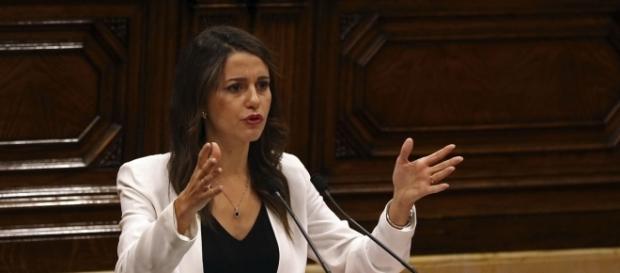 Inés Arrimadas en el parlamento catalán
