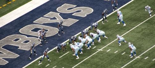 Dallas Cowboys play the Denver Broncos in Denver | Image Credit: Mahanga | Wikimedia Commons