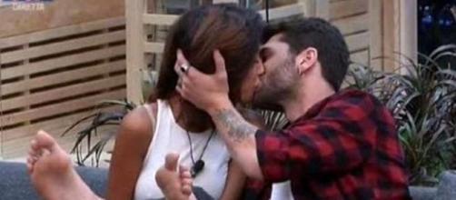 Gf Vip, il primo bacio nella casa è tra Jeremias e Carla Cruz - today.it