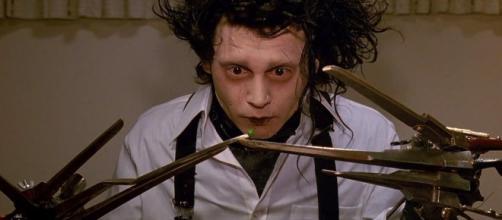 """Johnny Depp no filme """"Edward Mãos de Tesoura""""."""