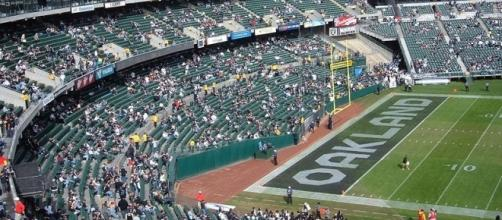 Photo by Broken Sphere, Wikimedia Commons, https://commons.wikimedia.org/wiki/File:Oakland_Coliseum_north_side_from_section_319.JPG