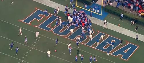 The Florida Gators defeat Tennessee on a last second touchdown. [Image via Florid Gators/YouTube]