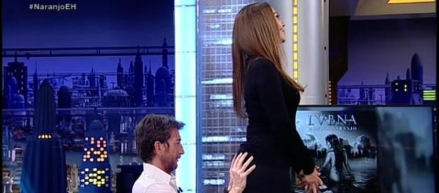 ANTENA 3 TV | Pablo Motos 'palpa' el culo de Mónica Naranjo para ... - antena3.com