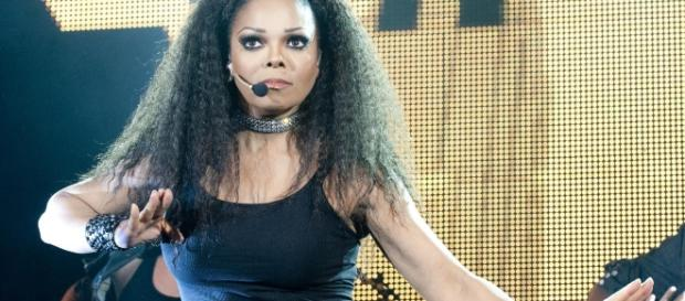 Janet Jackson flaunts 70 pound weight loss. Photo Credit Wikimedia Commons