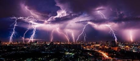 HAARP supone la Manipulación de energías provocando huracanes, terremotos, tsunamis con fines de control de la humanidad; Imagen Shutterstock