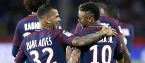 Dani Alves, bouclier médiatique de Neymar ? (J.E.E / SIPA).