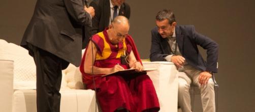Il Dalai Lama a Palermo ha ricevuto altre due cittadinanze onoraria