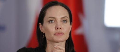 Jolie possui uma forte ligação com o país asiático