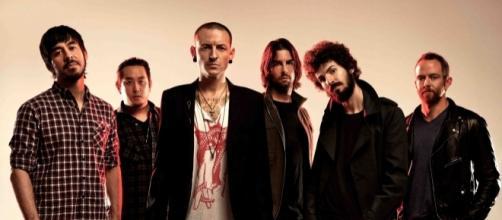 Membros do banda Linkin Park fará show em homenagem ao falecido amigo em Los Angeles