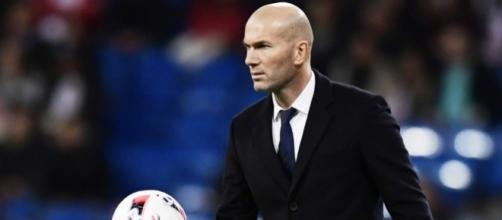 Real Madrid: Zinedine Zidane content pour Enzo, « comme père » et ... - bfmtv.com