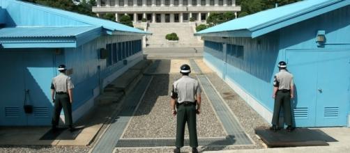 The Demilitarized Zone https://es.m.wikipedia.org/wiki/Archivo:Panmunjeom_DMZ.png