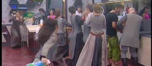 Video Grande Fratello VIP: Un Freeze da musical! - CLIP | MEDIASET ... - mediaset.it