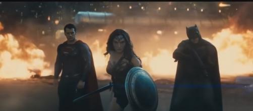 Wonder Woman and Doomsday Fight - Batman vs Superman - YouTube/The Movies