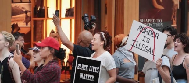 People protesting against Jason Stockley's acquittal: Image via Youtube(NJ.com)