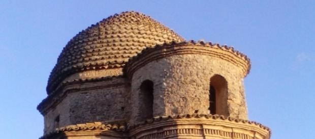 Veduta della cupola e della parte superiore dell'abside della chiesa si santa Ruba a San Gregorio d'Ippona (Vibo Valentia)