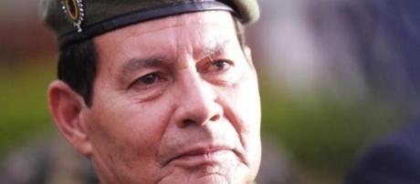 Um dos principais comandantes da Forças Armadas