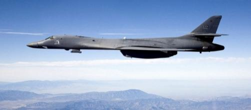 B-1B Lancer carrying the Sniper pod (Credit – Steve Zapka – Wikimedia Commons)