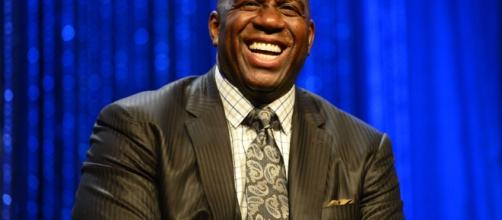Magic Johnson revelou ser portador do vírus HIV.