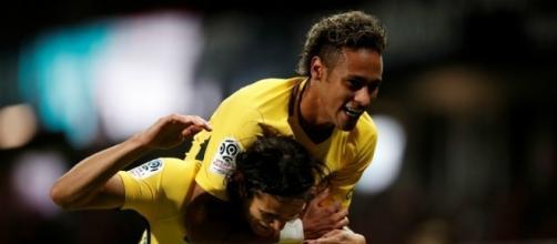 Neymar et Cavani, guerre d'ego, de prime et course au ballon d'or...
