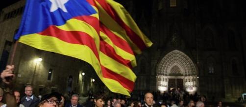 Procura generale Spagna denuncia Catalogna per convocazione ... - sputniknews.com