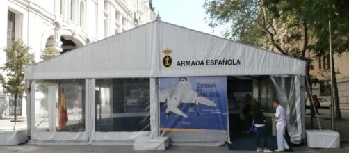 Semana Naval de Madrid. Carpa del siglo de Aviación Naval.